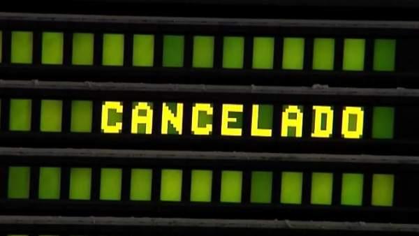 Vuelos cancelados y retrasos