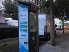 Parquímetro de Barcelona, zona azul, área verde.