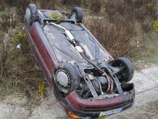 Coche volcado tras un accidente