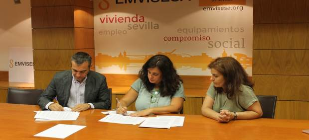 Firma del convenio de Emvisesa