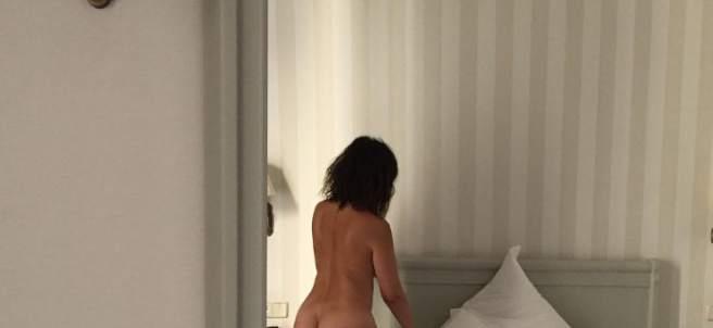 Melani Olivares se desnuda en Instagram