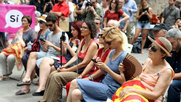 Campaña unitaria por el 'sí' en el referéndum de Cataluña.