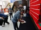 Zamora.- Guarido firma el libre de condolencias.