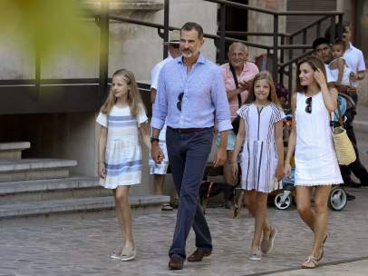 Los reyes y sus hijas, Leonor y Sofía
