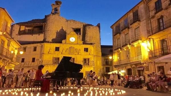 Segovia.- Noche en Blanco y Negro de Sepúlveda
