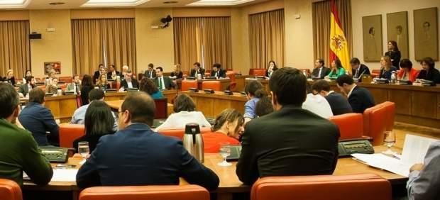 Sánchez seguirá gobernando hasta el 28-A con decretos que presentará a la diputación permanente ...