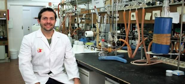 Carlos J. Carrasco, profesor de Química Inorgánica de la US.