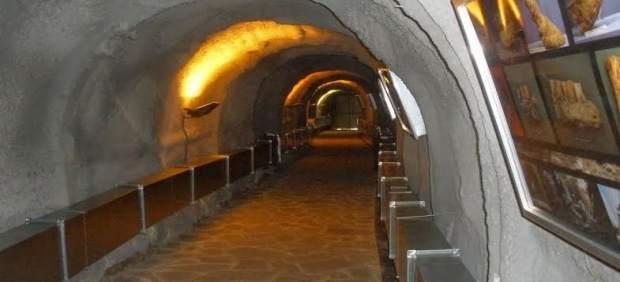 Acceso a la cueva