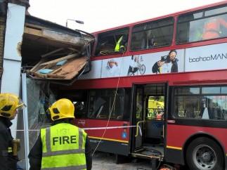 Impacto de un autobús en Londres