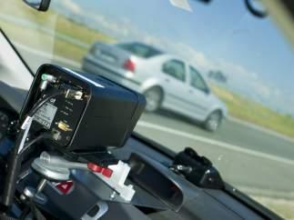 Aparcar mal y exceder la velocidad suponen la mitad de las multas en verano