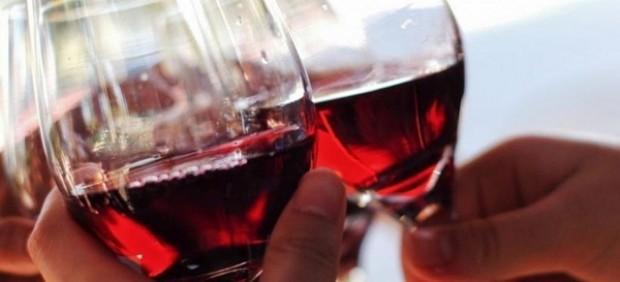 Copas de vino, vino