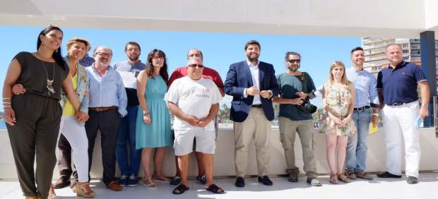 El presidente Fernando López Miras con los periodistas