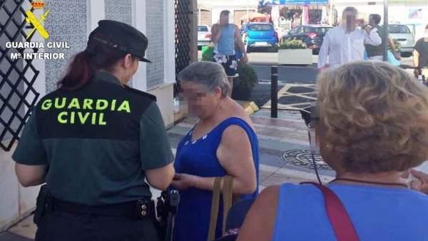 Intentan robar el bolso a una octogenaria en Gibraleón.