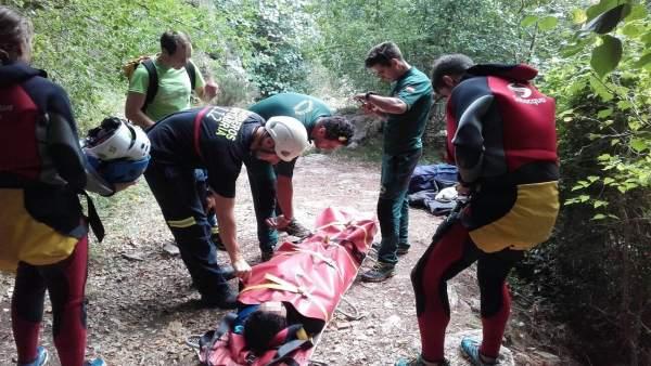 Rescate de una mujer en el barranco de Navedo (Peñarrubia)