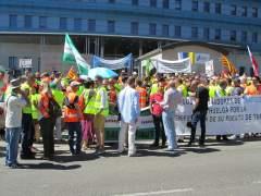 Tráfico propone el 50% de servicios mínimos en la huelga indefinida de los examinadores