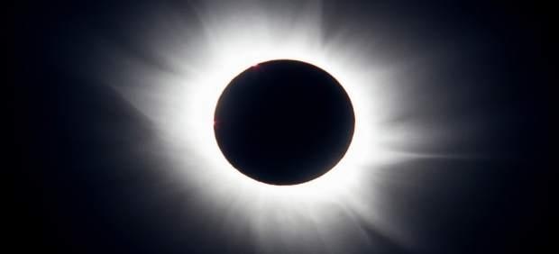Nota De Prensa Y Fotografía: Eclipse Museos
