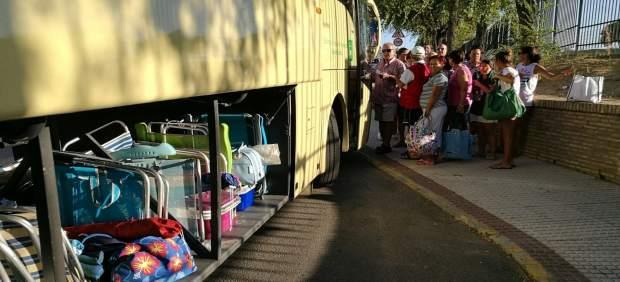 Autobús que lleva a las playas de Huelva