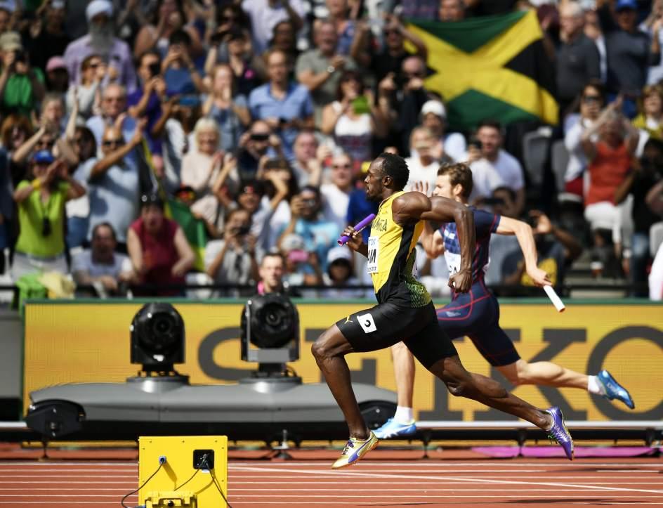 Bolt se lesiona en pleno 4x100 y se despide sin medalla del atletismo