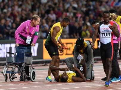 Bolt se lesiona en su despedida