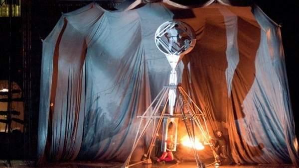 Escena de 'El amor brujo' representado por la compañía en otra sala