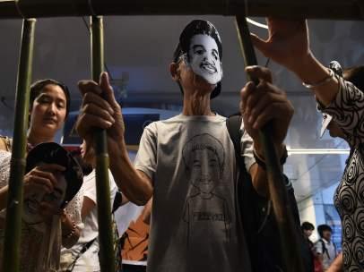 Protesta en apoyo a Jatupat, el joven condenado por compartir un perfil del rey de Tailandia.