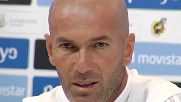 Zidane se queja por la sanción a Ronaldo.