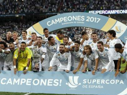 El Madrid, con la Supercopa.