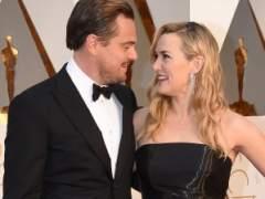 DiCaprio y Kate Winslet, juntos en un día de piscina