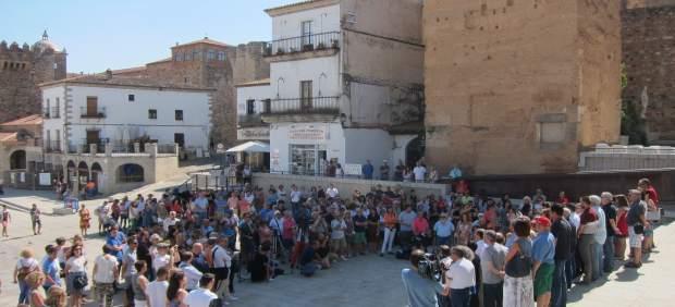 Minuto de silencio en Cáceres por las víctimas de los antentados de Cataluña