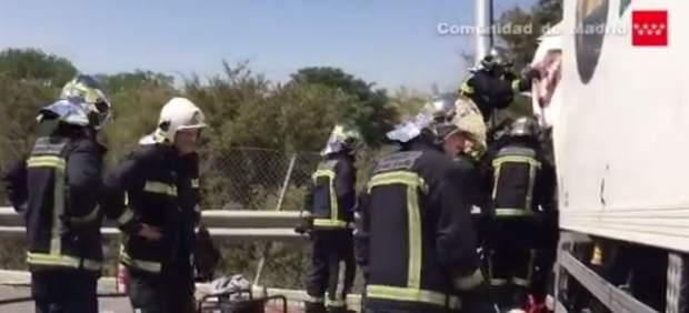 Rescatados Los Dos Heridos Atrapados En Un Camión En El Accidente De La A-4