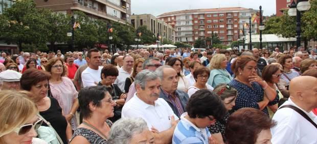 Nota Y Fotos Concentración Repulsa Atentado Barcelona