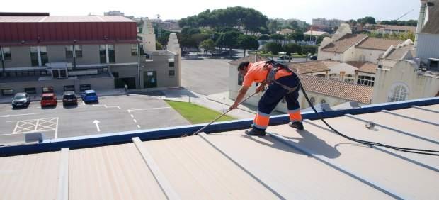 Torremolinos realiza acciones de mantenimiento en la for Piscina municipal torremolinos