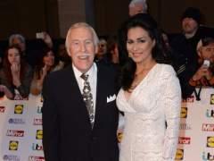 Muere el presentador de televisión Bruce Forsyth a los 89 años