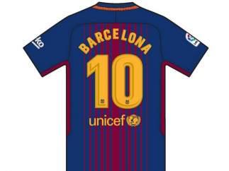 Los jugadores del primer equipo lucen 'Barcelona' en lugar de su nombre