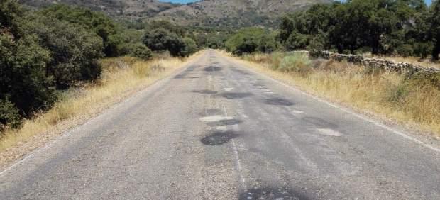 Estado del firme en la carretera de Montánchez, la de mayor inversión