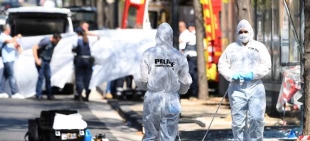 El conductor que embistió dos paradas de autobús en Marsella sufre un