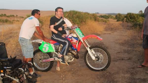 Francisco, lesionado medular, vuelve a montar en una moto