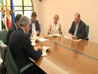 Vara firma protocolo sobre aprovechamiento forestal sostenible