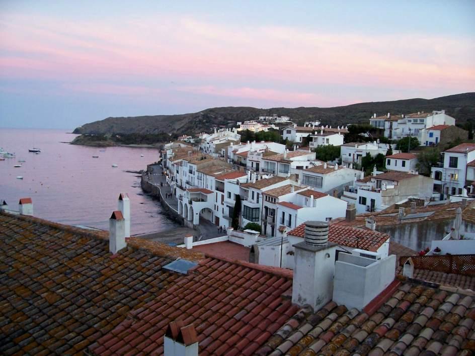 El pueblo más bonito del mundo, según Salvador Dalí, es el cuarto preferido por los usuarios de El Viajero Fisgón  Ver más en: https://www.20minutos.es/fotos/imagen/4-cadaques-cataluna-527766/#xtor=AD-15&xts=467263