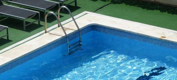 Muere ahogado un ni o de 3 a os en una piscina de cambrils for Piscina cambrils