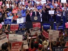 Trump se reafirma en su condena a la marcha de Charlottesville