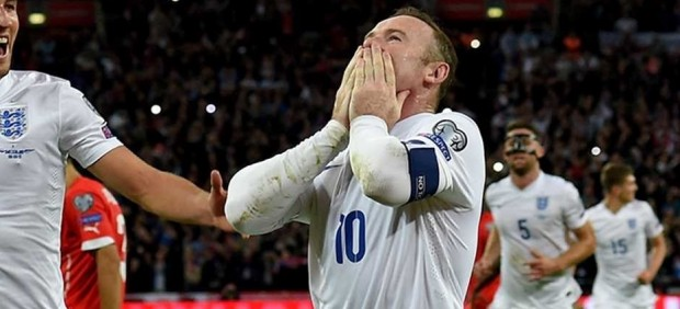 Rooney, culpable de conducir borracho, condenado a 2 años sin poder conducir