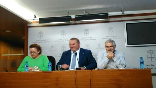 Por la izquierda, Álvarez, Argüelles y Llamazares.