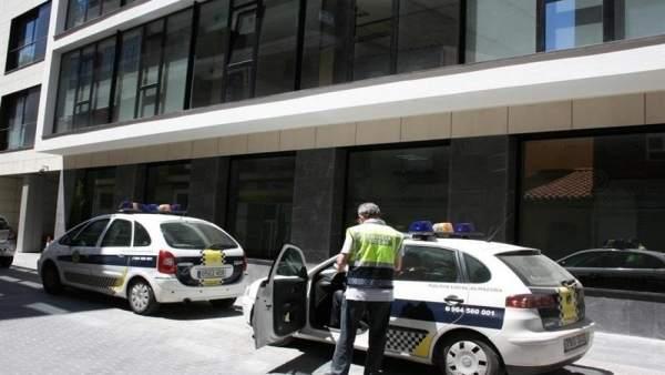 Policía de Almassora denuncia a la dueña de tres perros peligrosos