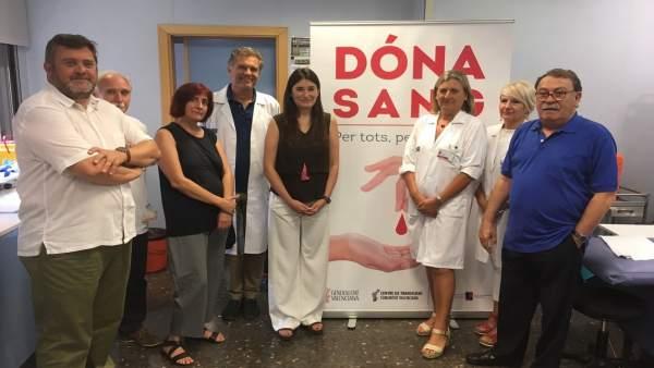 Montón en su visita al Centro de Transfusiones