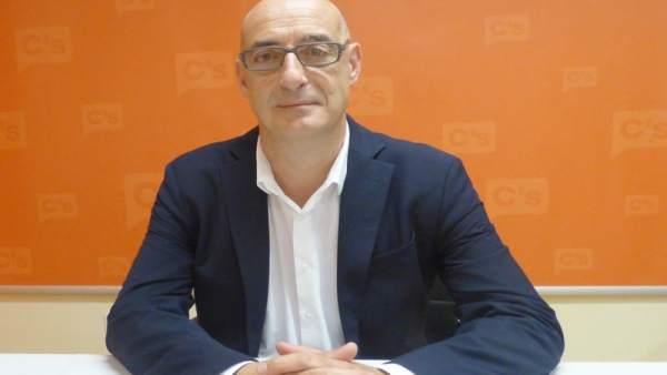 Félix Álvarez, Cs