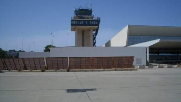 Torre de control del Aeropuerto de Almería