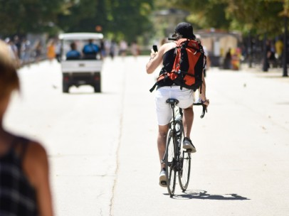 Imagen de un ciclista en el Día sin Coches Europeo