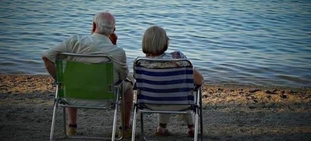 Imserso, playa, ancianos, jubilados.