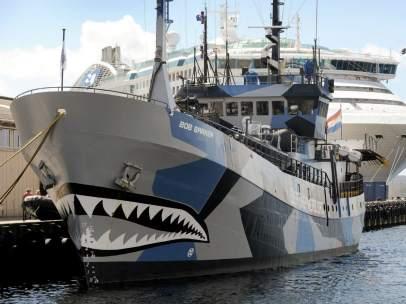 Barco antiballenero